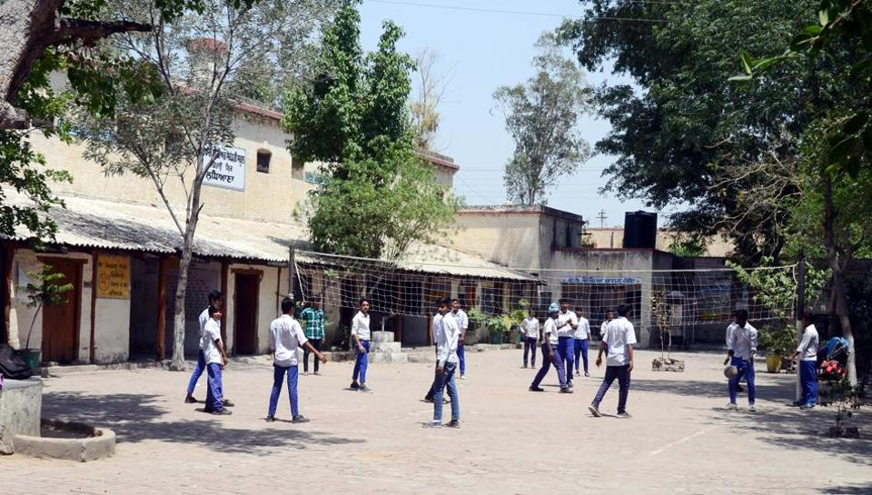 Around 170 students (Class 6 to 12) of Government Senior Secondary School, Jagraon Bridge, attend classes in the morning shift; while those of Government Primary School, Jagraon Bridge (Class 1 to 5) attend the classes from 1pm to 5.30 pm.