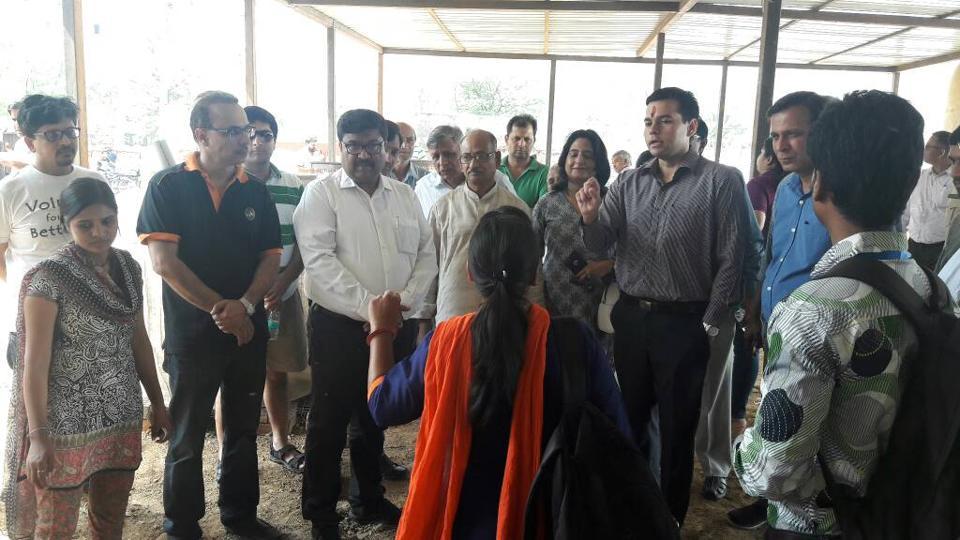 Municipal Corporation of Gurugram (MCG) inaugurated two composting plants in Gurgaon on Sunday.