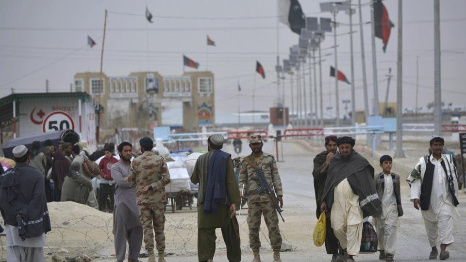Pakistan Afghanistan border clash,Taliban,Chaman border