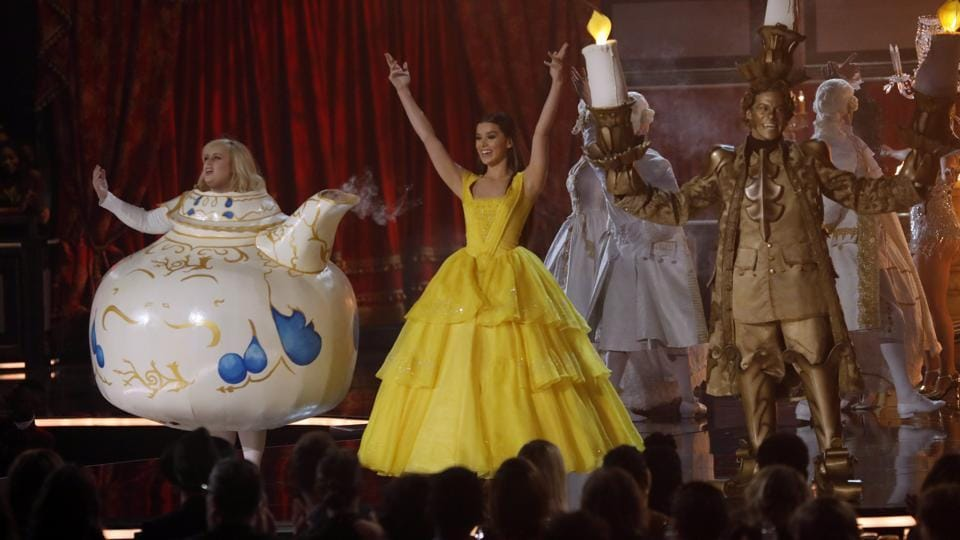 Actor Hailee Steinfeld and her troupe during their performance.  (REUTERS)