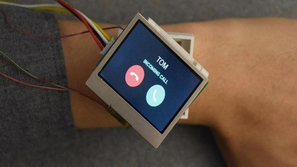 An assistant professor at Dartmouth College, New Hampsire in US is working on a smartwatch prototype that can move across a user's wrist.
