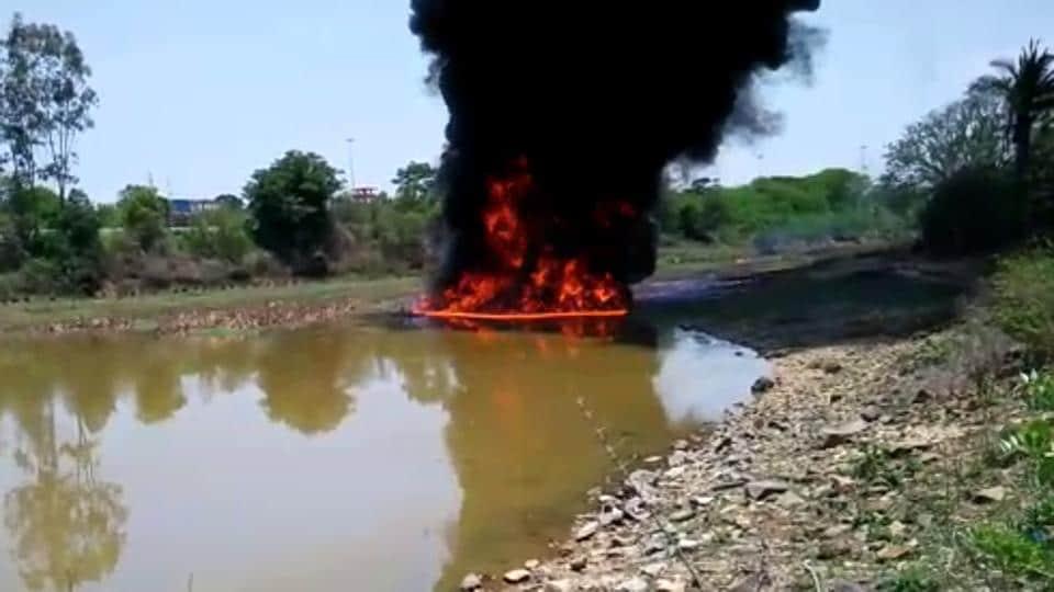 Fire in Dodda Basavanhalli lake.