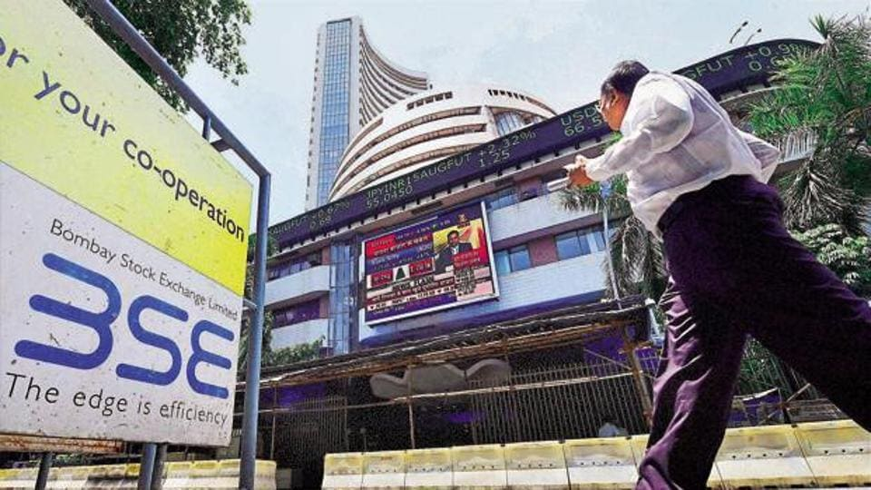Sensex scales 30000-mark in early trade