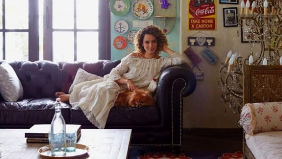 Kangana Ranaut moved to her new Khar house in 2013.