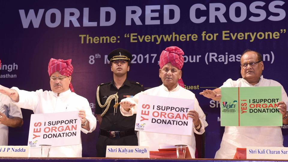 Governor Kalyan Singh and Union health minister J P Nadda and Rajasthan minister Kalicharan Saraf take oath to support organ donation in Jaipur on Monday.