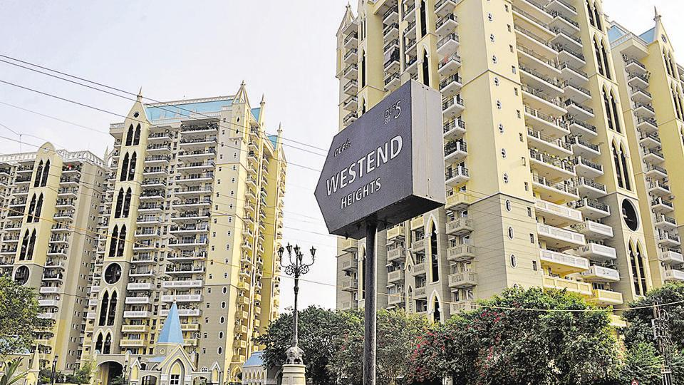 A departmental store at Westend Heights Condominium in DLF Phase 5 was the latest to be hit by store break-ins in which only cash and Marlboro cigarettes are stolen.