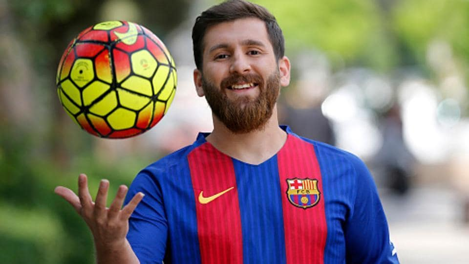 Lionel Messi,Reza Parastesh,Lionel Messi lookalike