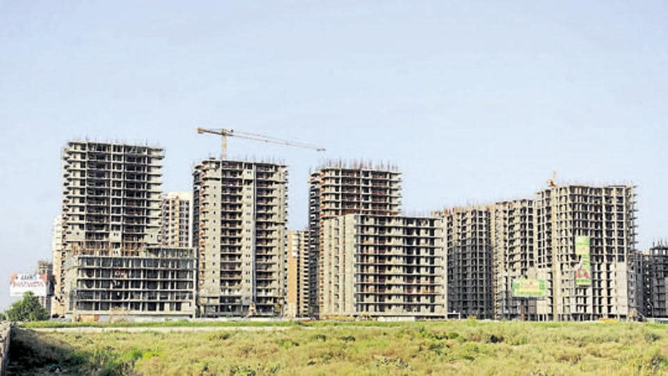 Noida,interest waiver,land due