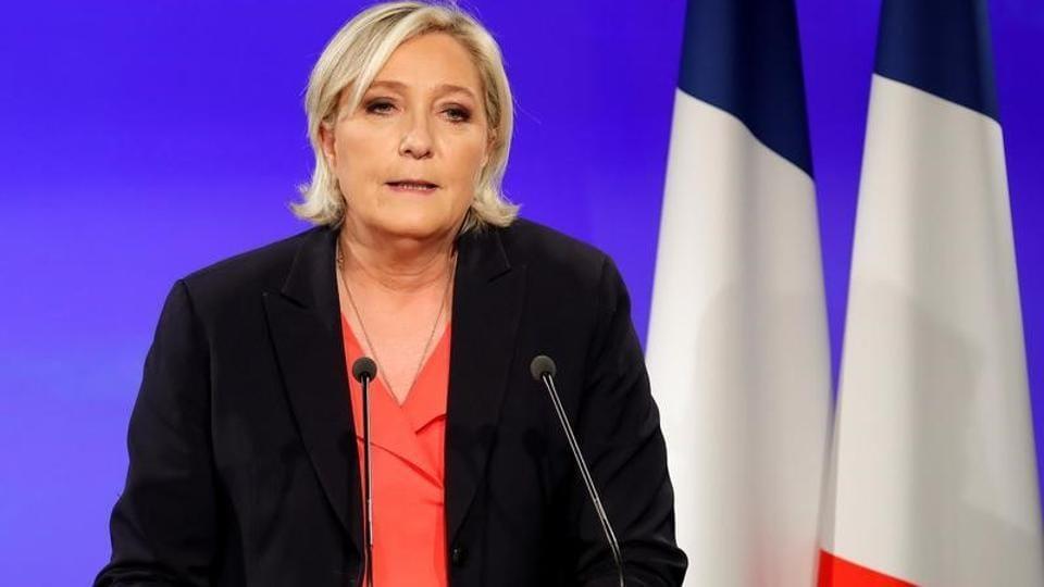 Emmanuel Macron,Marine Le Pen,Donald Trump
