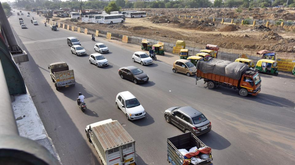 One of the dark spots is the busy intersection of Rajiv Chowk on Delhi-Gurgaon Expressway.