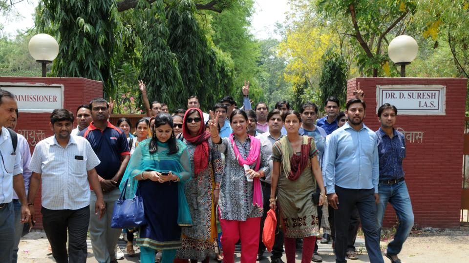 Parents protested in Gurgaon
