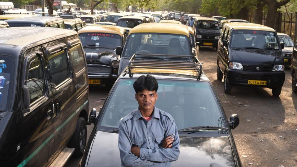 Driving a Kaali-Peeli (Black & Yellow) Maruti Esteem taxi around Delhi, Debendra says it never struck him to keep the lost bag for himself. (Ravi Choudhary/HT PHOTO)