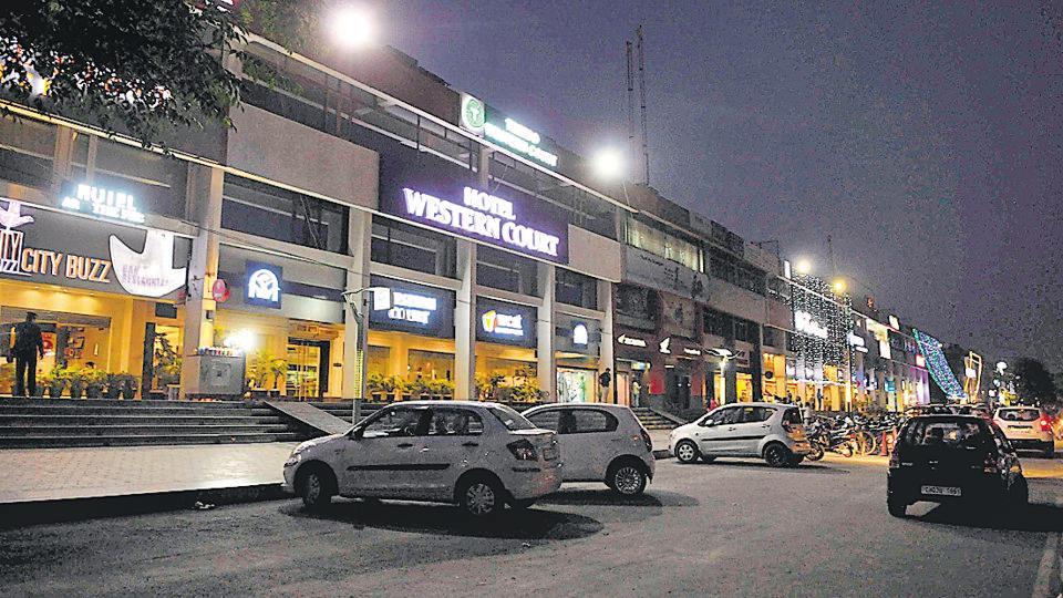 SC booze ban,Chandigarh admn,NH-21