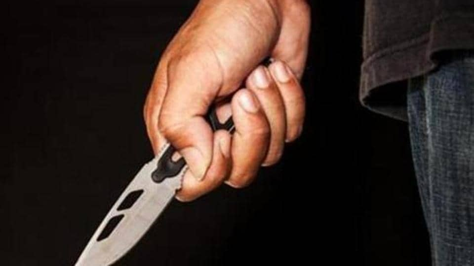 The robbers, who came in an autorickshaw and a motorcycle, were armed with pistols and knives, police said. They allegedly took cash and jewellery from the passengers, including around 20 women, before fleeing in the same vehicles.