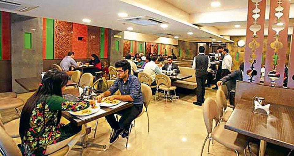 After south Delhi, women and children in north and east Delhi too could have free access to toilets of any hotel/restaurants. The north and east Delhi municipal corporations are putting efforts to execute the decision in their jurisdiction soon.