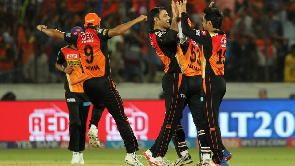 Sunrisers Hyderabad kept picking up wickets at regular intervals and never really allowed Mumbai Indians to score freely. (BCCI)