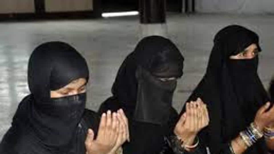 Triple talaq,Muslim groups,halala