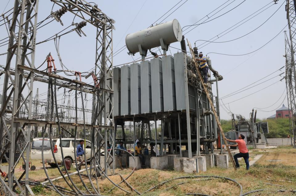 The power cuts were caused by a sudden breakdown at Sector 52 power house of the Haryana Vidyut Prasaran Nigam (HVPN), which controls the transmission.