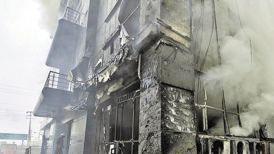 Over 40 firefighters used 25 fire tenders and a hydraulic platform to put out the fire.