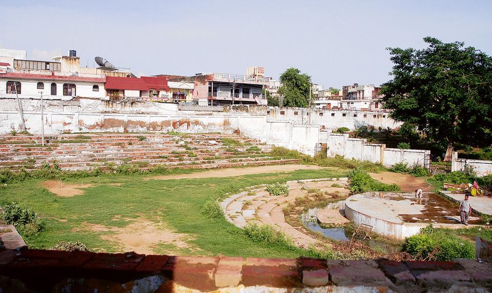 Gurgaon,Kamla Nehru Park,Sadar Bazar