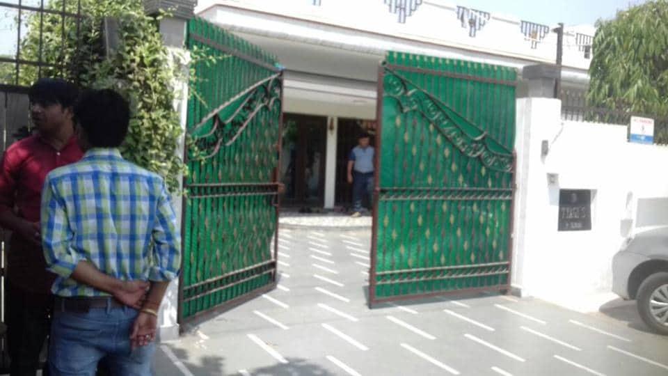 IPS Sanjeev Tyagi,Ishwar Tyagi,Ghaziabad police