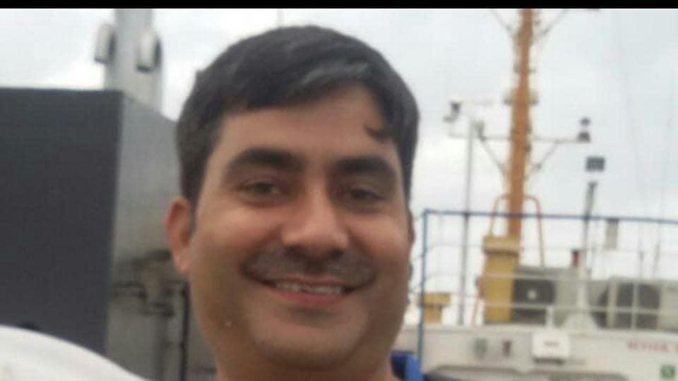 Delhi: Police inspector shoots himself dead