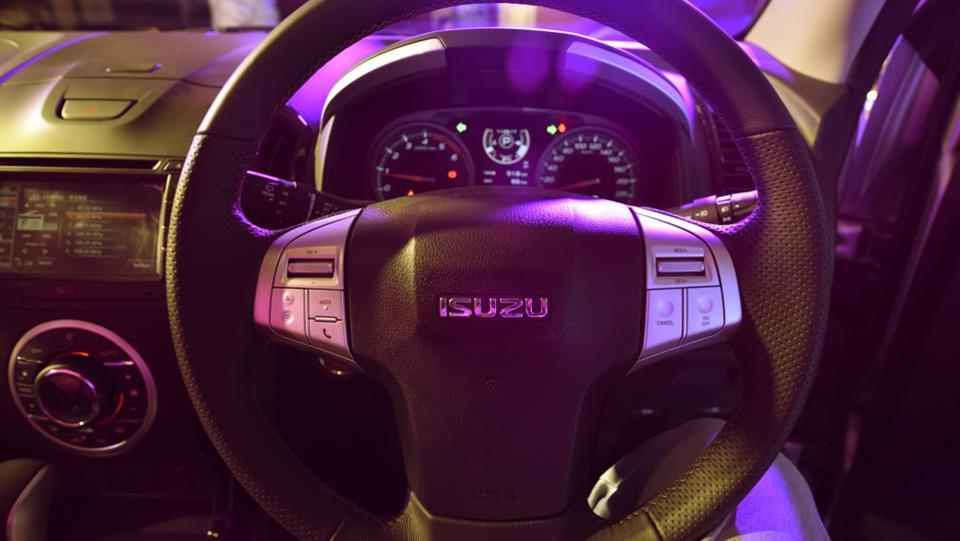 The wheel comes equipped with all the right keys for music and infotainment. (Vipin Kumar/HT PHOTO)