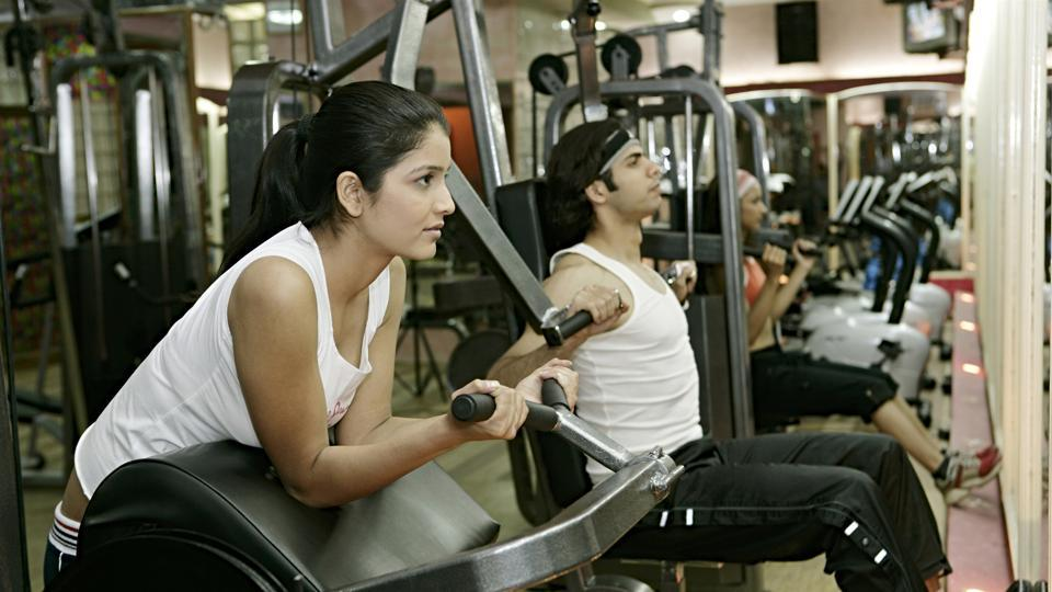 Lifting weights not only helps to burn fat faster but also aids in maintaining muscles.