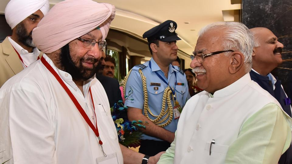 CMs Amarinder Singh and Manohar Lal Khattar at a zonal meeting in Chandigarh.