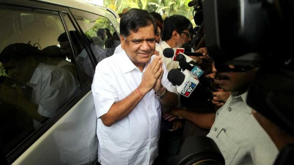 Leader of the opposition in the Assembly, Jagadish Shettar has alleged maladministration under the Congress leadership.