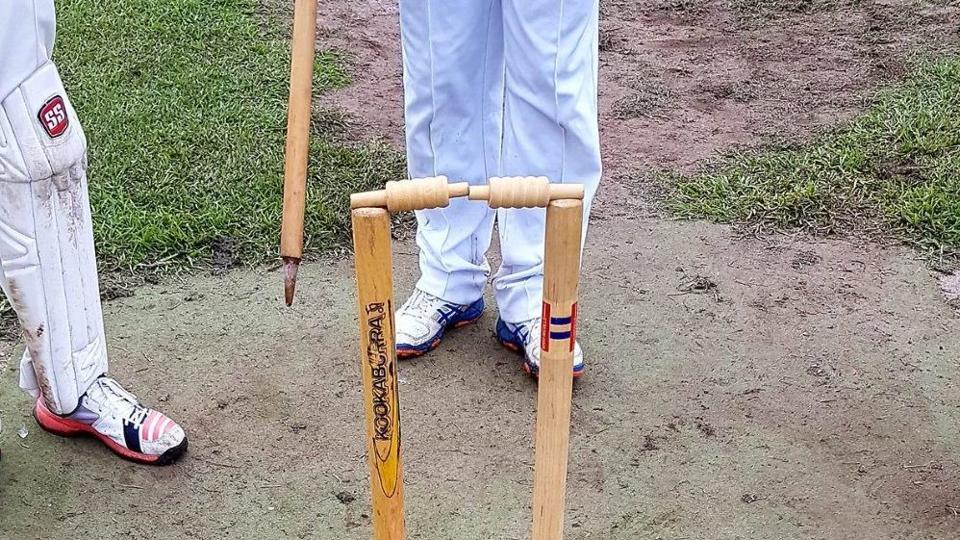 The bails didn't fall off from the stumps despite the middle stump being uprooted.