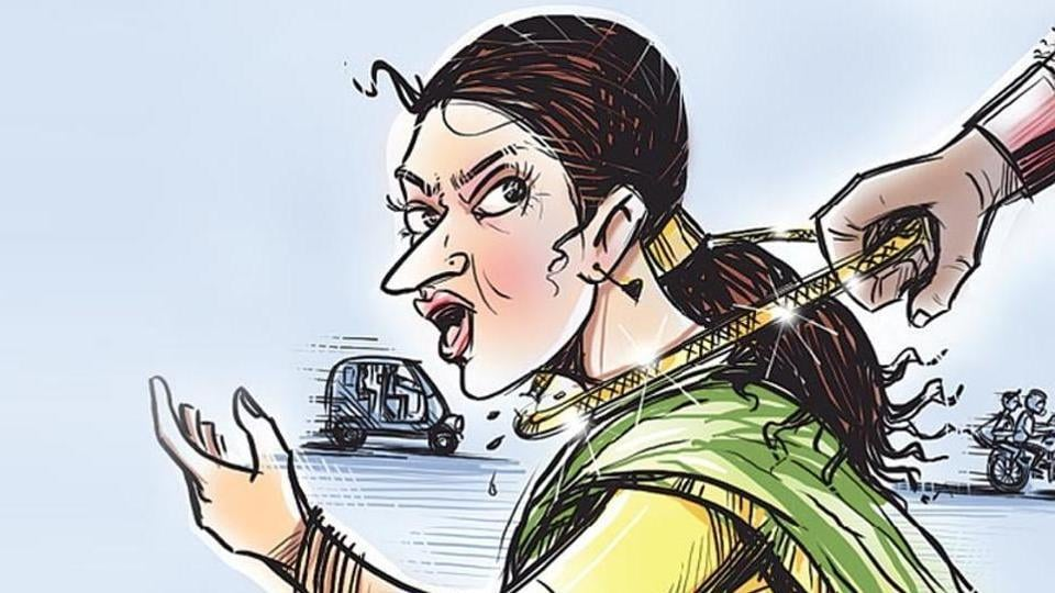 When the men snatched the woman's mangalsutra, she lost her balance. If not for the autoricksaw's iron bars, she would have fallen out and been seriously injured, said police.