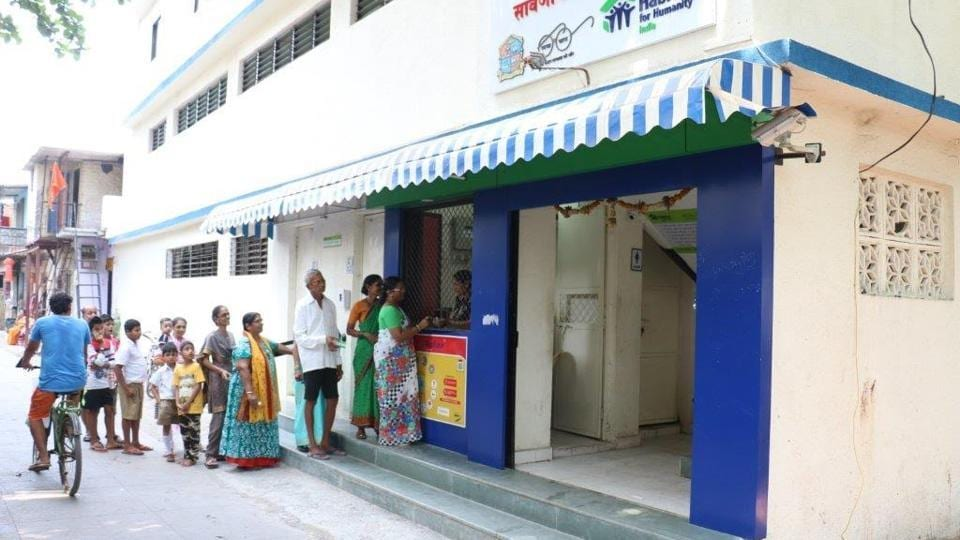 The toilet that they use is powered by solar energy, has 20 clean cubicles and uninterrupted water supply. Also, it is only accessible to those who have a smart card.
