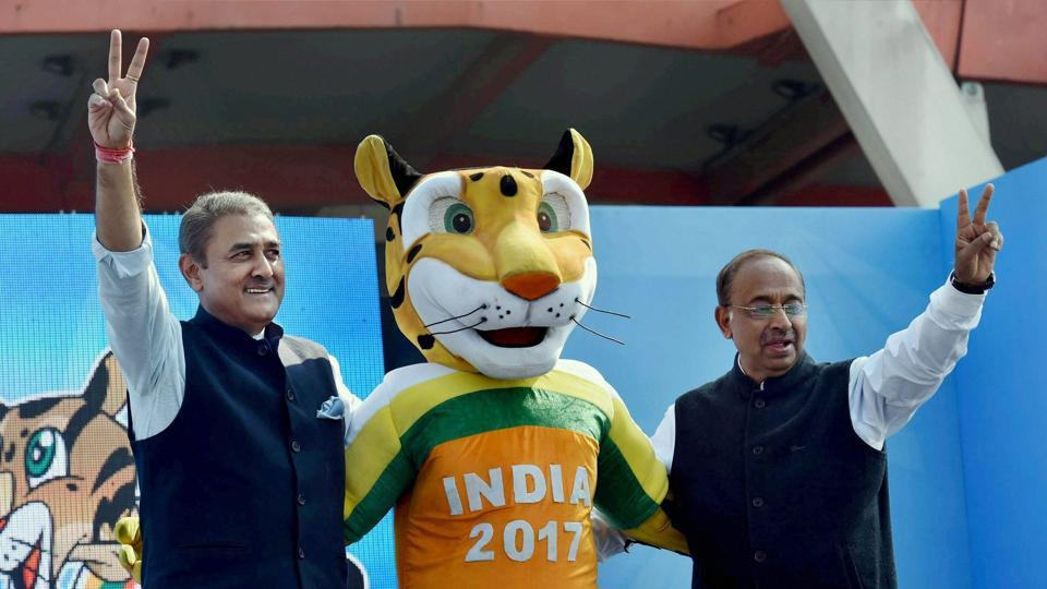 Union Sports Minister Vijay Goyal and All India Football Federation (AIFF) president Praful Patel with the U-17 FIFA World Cup 2017 mascot 'Kheleo'.