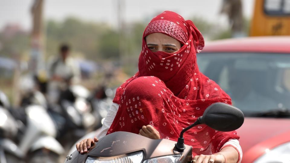 Delhi weather,Heatwave,Delhi temperature