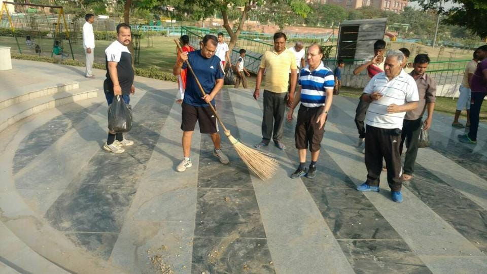 The drive comes after FONRWA president NP Singh had asked all RWAs to start a weekly cleanliness drive under Swachh Bharat mission.