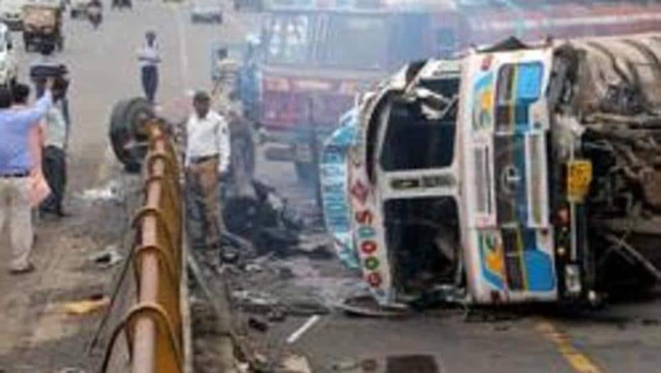 Mumbai accidents,car crashes,road accidents