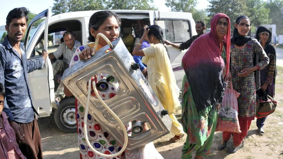 Shelling by the Pakistan forced the evacuation of nearly 1,000 border dwellers, following which Indian troops retaliated.