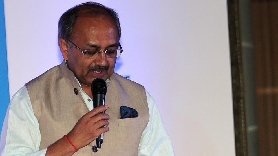Uttar Pradesh health minister Siddharth Nath Singh addressing the gathering at HT Woman Awards in Lucknow on Sunday.