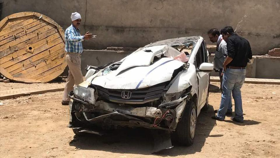 Traffic police personnel official say that in the Monday's accident, the students were speeding, but the fact that three were sitting in the front and four were on the rear seat worsened the situation.