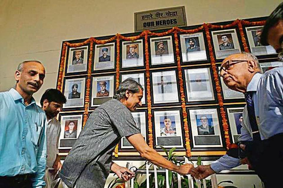 JNU,JNU wall of heroes,Jawaharlal Nehru University