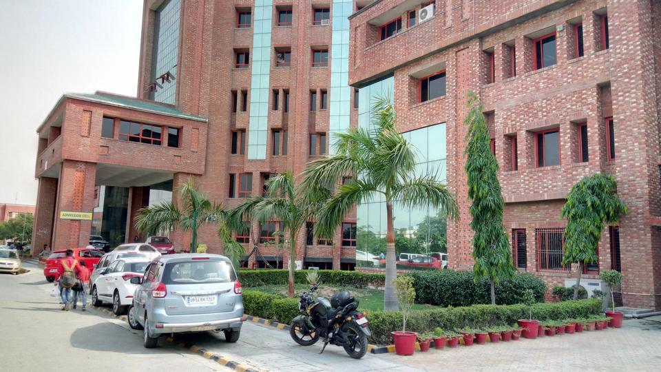 Greater Noida,exam paper leak,Sharda University