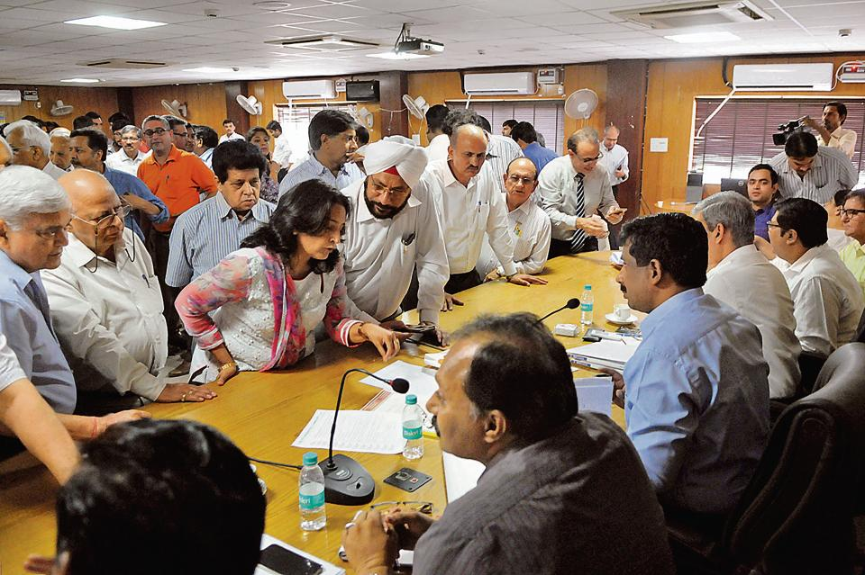 Presidents of RWAs narrated the problems the residents have been battling in their respective areas during the meeting with top Gurgaon officials on Tuesday.