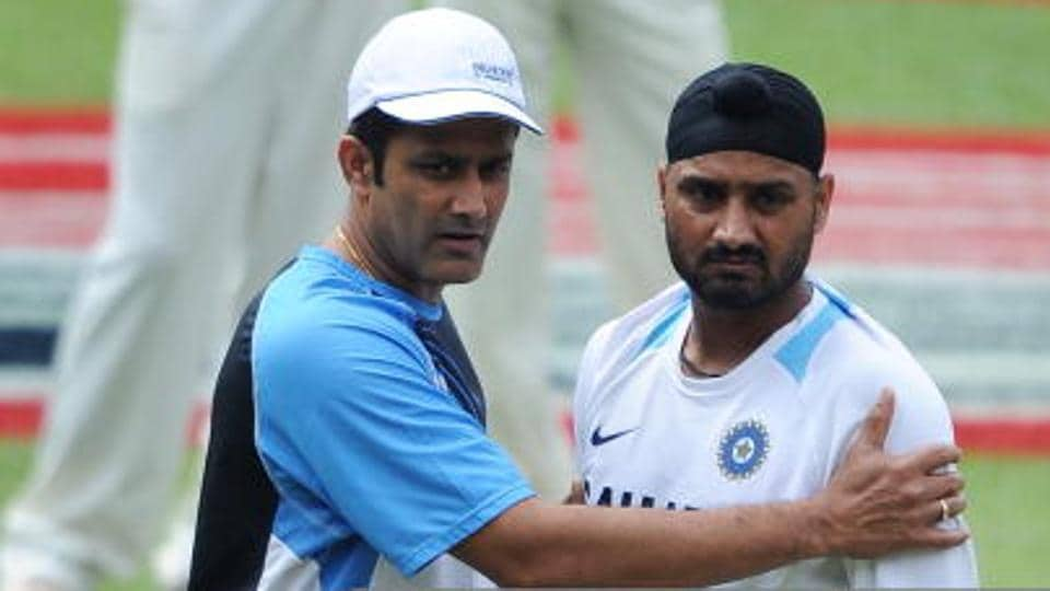 Harbhajan Singh (R) has written to Anil Kumble about the financial insecurities of domestic cricketers