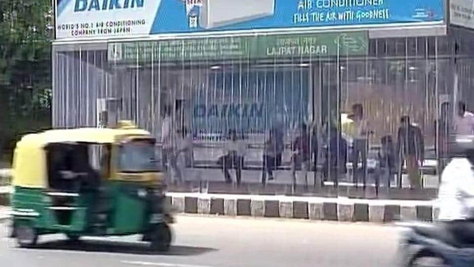 AC bus stand,Lajpat Nagar,Ring Road