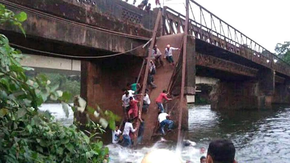 Over 30 people fell in river after the metal foot bridge collapsed at Savordem-Curchorem, CM Manohar Parrikar summoned Navy who is helping local authority to rescue the people in South Goa, India, on Thursday, May 18, 2017.