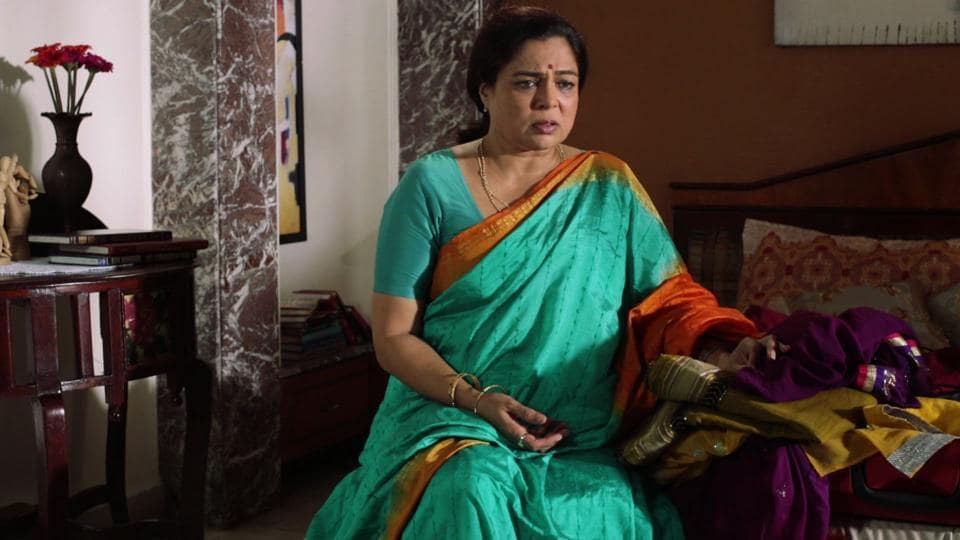 Reema Lagoo is survived by daughter Mrunmayee, who is also a theatre and film actor and theatre director.
