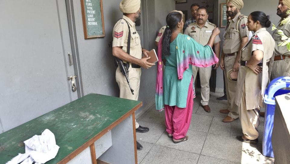 caretaker,Amritsar,student suicide