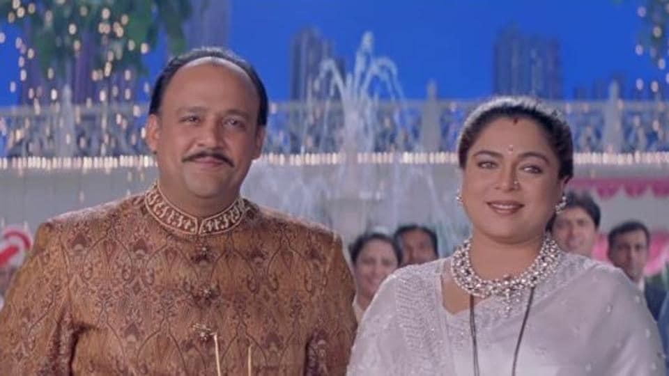 Actors Alok Nath and Reema Lagoo played husband and wife in the 1999 film HumSaath Saath Hain.