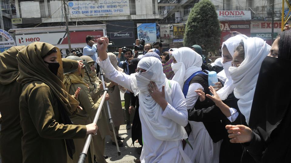 Kashmiri students shout slogans during a protest at Lal Chowk, Srinagar, April 17, 2017